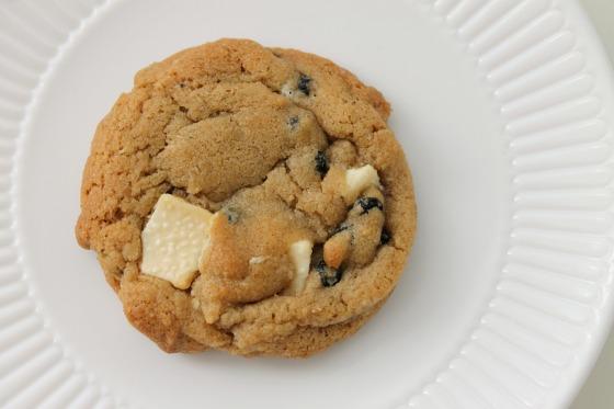 blueberrywhitechocolatecookie