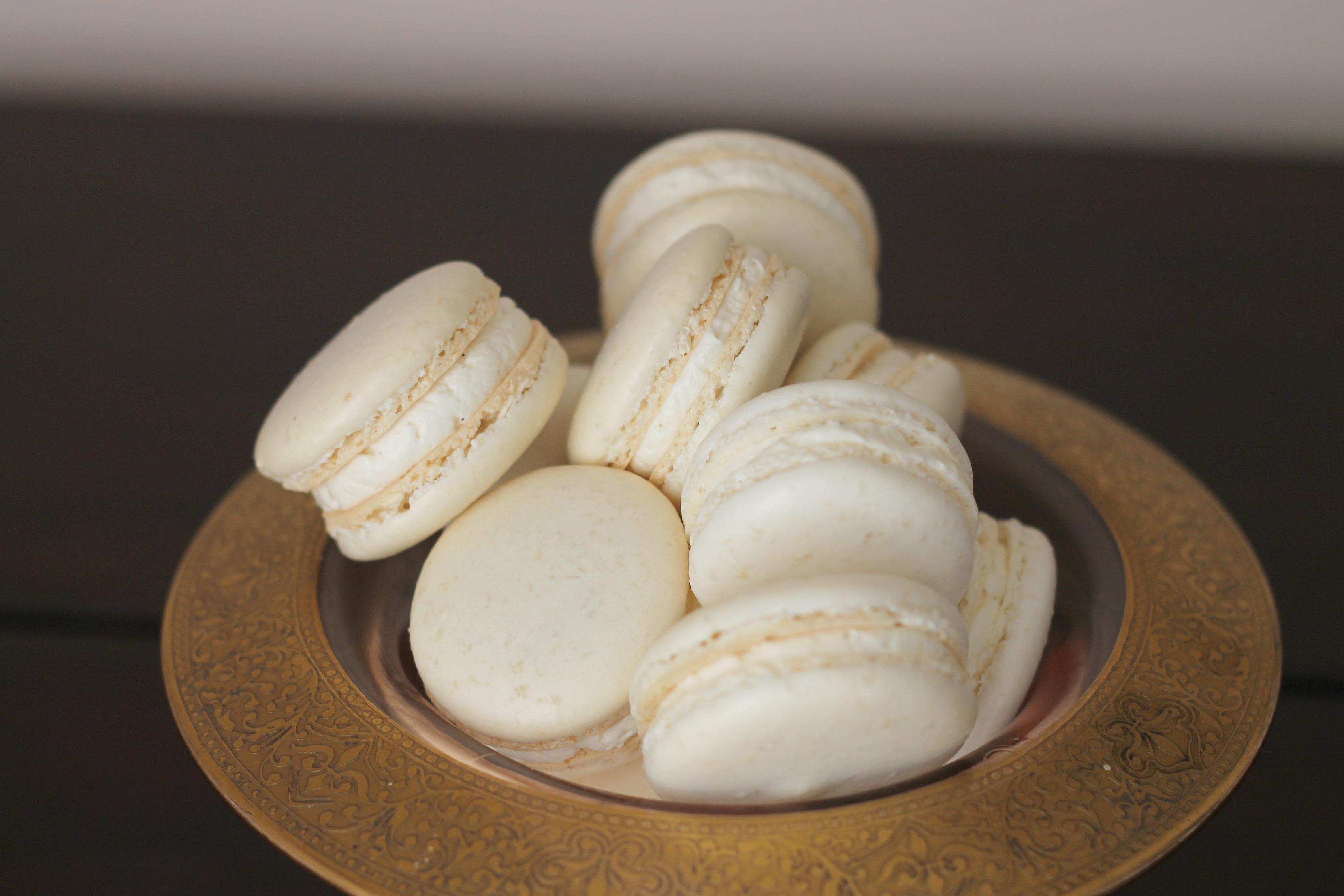 Swiss meringue macaron
