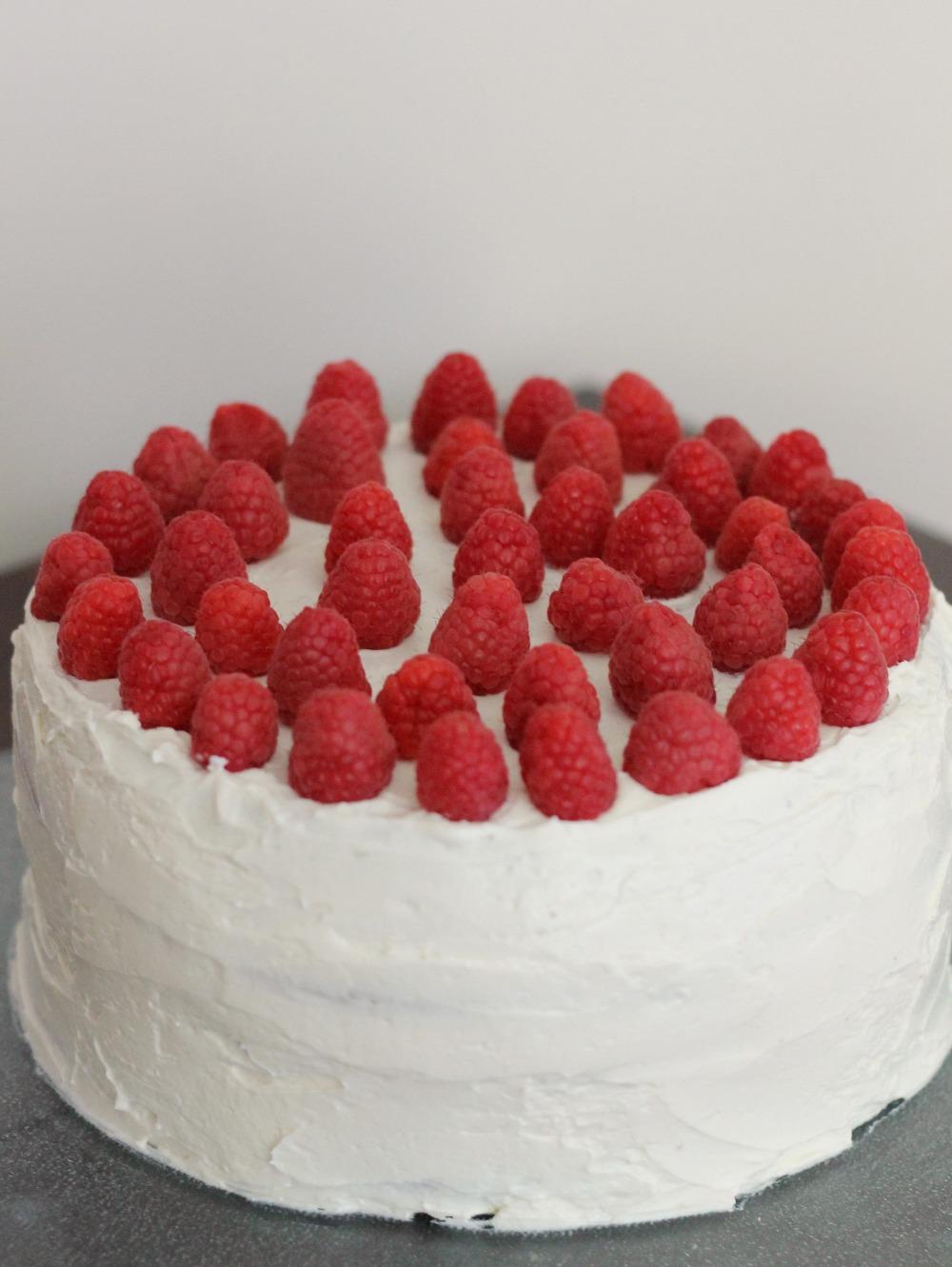 raspberryblackandwhitecake1