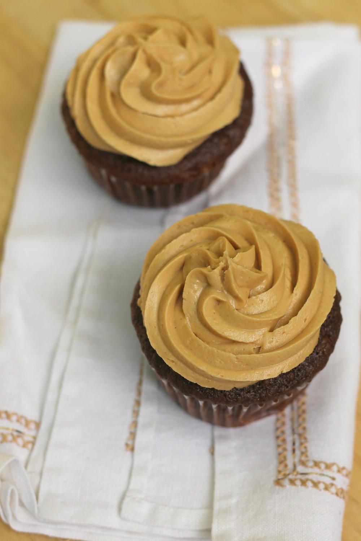 chocolatecupcakespeanutbutterfrosting